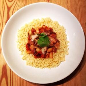 Mushroom, tomato and white bean stew